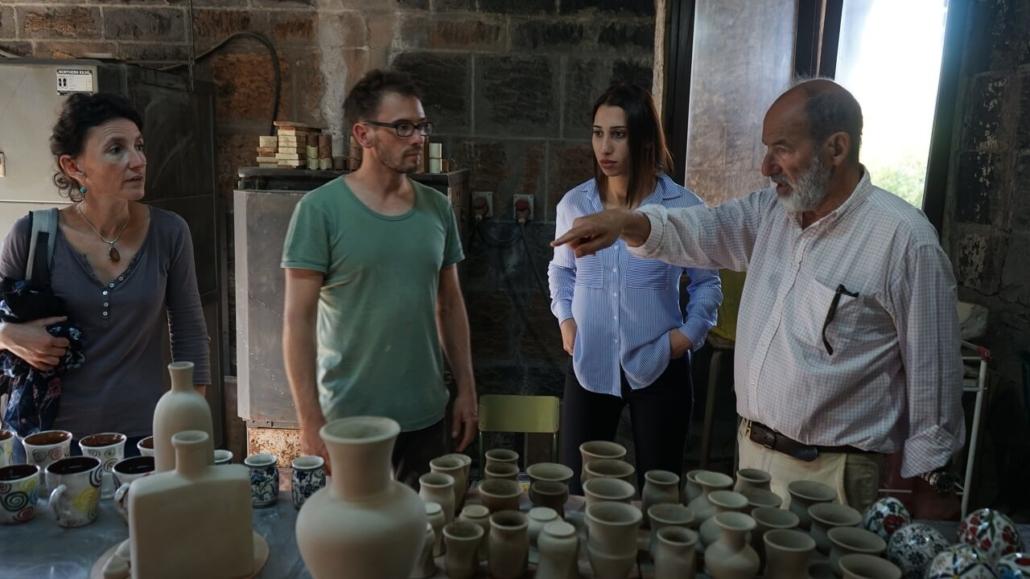 Estelle Richard, Julien Mazard et Antonio Montalto dans l'atelier